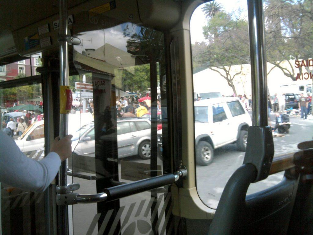 Campo de Santa Clara visto de dentro do autocarro 712
